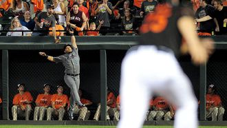 Orioles club way to comeback win after D-backs