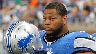 Three and Out: Lions say timing of Suh re-signing doesn